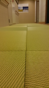 4階通路の畳
