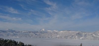 雲海に浮かぶ北信五岳